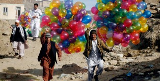 balloon-sellers-afghan-2