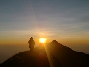 5576156-Sunrise_at_Gunung_Agung-0